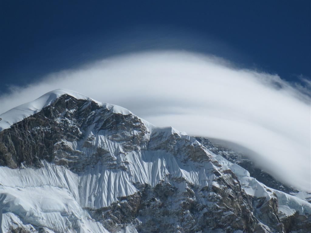 Mt Everst behind cloud